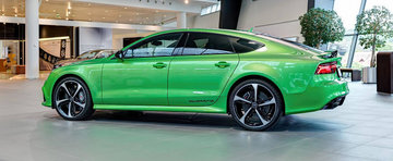 O imensa pata de culoare: Noul Audi RS7 pozeza in nuanta Apple Green