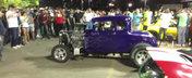 O masina cu motor V8 face misto de cateva Honde cu motoare in 4 pistoane
