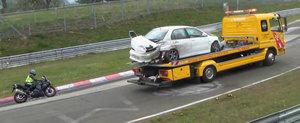 O noua compilatie video cu accidente la Nurburgring