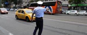 Politia Rutiera in actiune cu masini fara semne si motociclete: e corect?