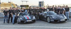 Porsche 918 Spyder spulbera recordul circuitului de la Nurburgring - filmul complet