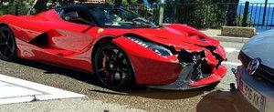 Primul accident cu noul Ferrari LaFerrari. Pagubele sunt semnificative