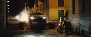 Primul trailer de la noul 007 ne arata un Aston Martin 'decapitand' o Alfa 166