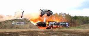 Record mondial: cea mai mare saritura la bordul unui Monster Truck