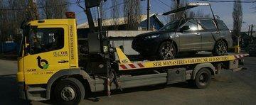 Ridicarea masinilor parcate neregulamentar, declarata ilegala... din nou