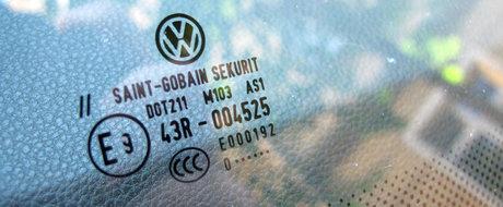 Secretele masinii tale: ce se ascunde in spatele simbolurilor de pe geamurile auto