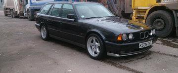Special pentru pasionati: O mini-colectie de 7 BMW-uri M5, scoasa la licitatie