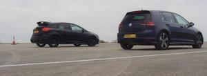 Sunt doi dintre cei mai mari rivali din lumea auto. Golf-ul R si Ford Focus-ul RS se iau de guler in linie dreapta. Pe cine pariezi?