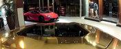 Surprize, surprize: Cinci Lamborghini-uri dau buzna intr-un mall din Miami