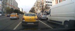 Taximetristii si politistii care incalca legea incurca traficul din capitala