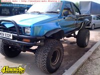 Toyota Hilux 2500 MONSTER TRUCK