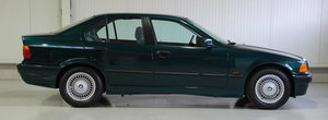 Un BMW E36 nou-nout e de vanzare in Olanda. Cat costa masina bavareza