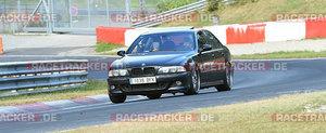 Un BMW M5 este de vina pentru accidentul in care au fost implicate 3 motociclete si 2 masini pe Nurburgring