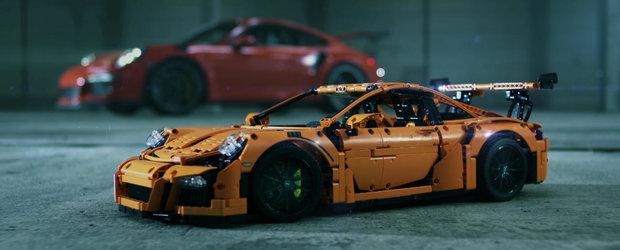 Un Porsche 911 GT3 RS din LEGO Technic este fara indoiala cea mai tare jucarie din galaxie!
