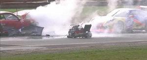 Un Porsche 911 ramane fara motor dupa un impact puternic