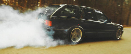 Ursuletul V8 in cinci usi e furios, iute si al naibii de practic