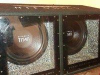 Vand Tub De Bass HIFONICS TITAN 3200 Watts ( RMS/MAX.)