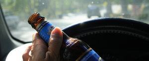 Victor Ponta face cinste cu un pahar de bere: permite consumul de alcool la volan in Codul Rutier