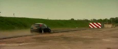 VIDEO: Crash Test la aproximativ 200 kilometri pe ora!