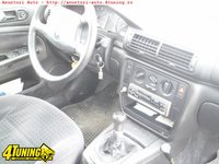 Volkswagen Passat 1 6i Clima
