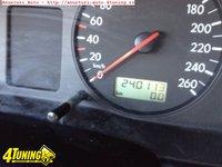 Volkswagen Passat 1 9 TDi Clima Combi