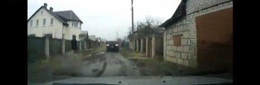 VW Touareg vs. Lada Priora: infractori vs. politie. Cine castiga?