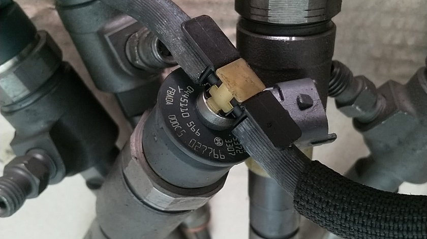 0445110566 9802776680 Bosch 0445110565 Injector Citroen Peugeot 1.6 HDi