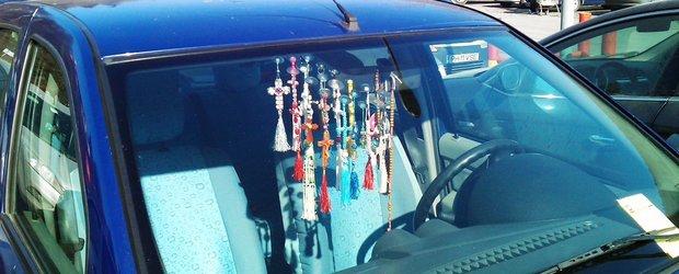 10 accesorii care NU au ce sa caute in masina ta