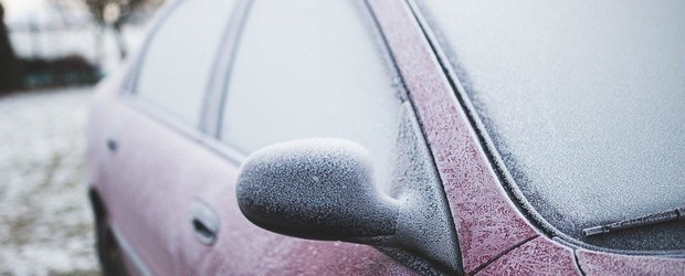 10 piese auto care au tendinta sa inghete, la propriu, cand vine iarna