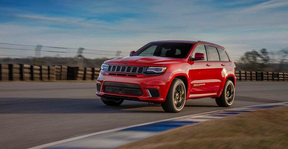 10 super masini pe care noul Jeep Grand Cherokee Trackhawk le bate intr-o cursa de drag
