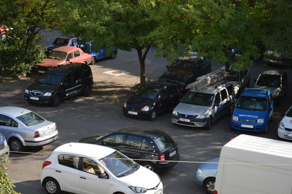 1000 de lei amenda daca parchezi masina pe locul platit al vecinului. E corect?