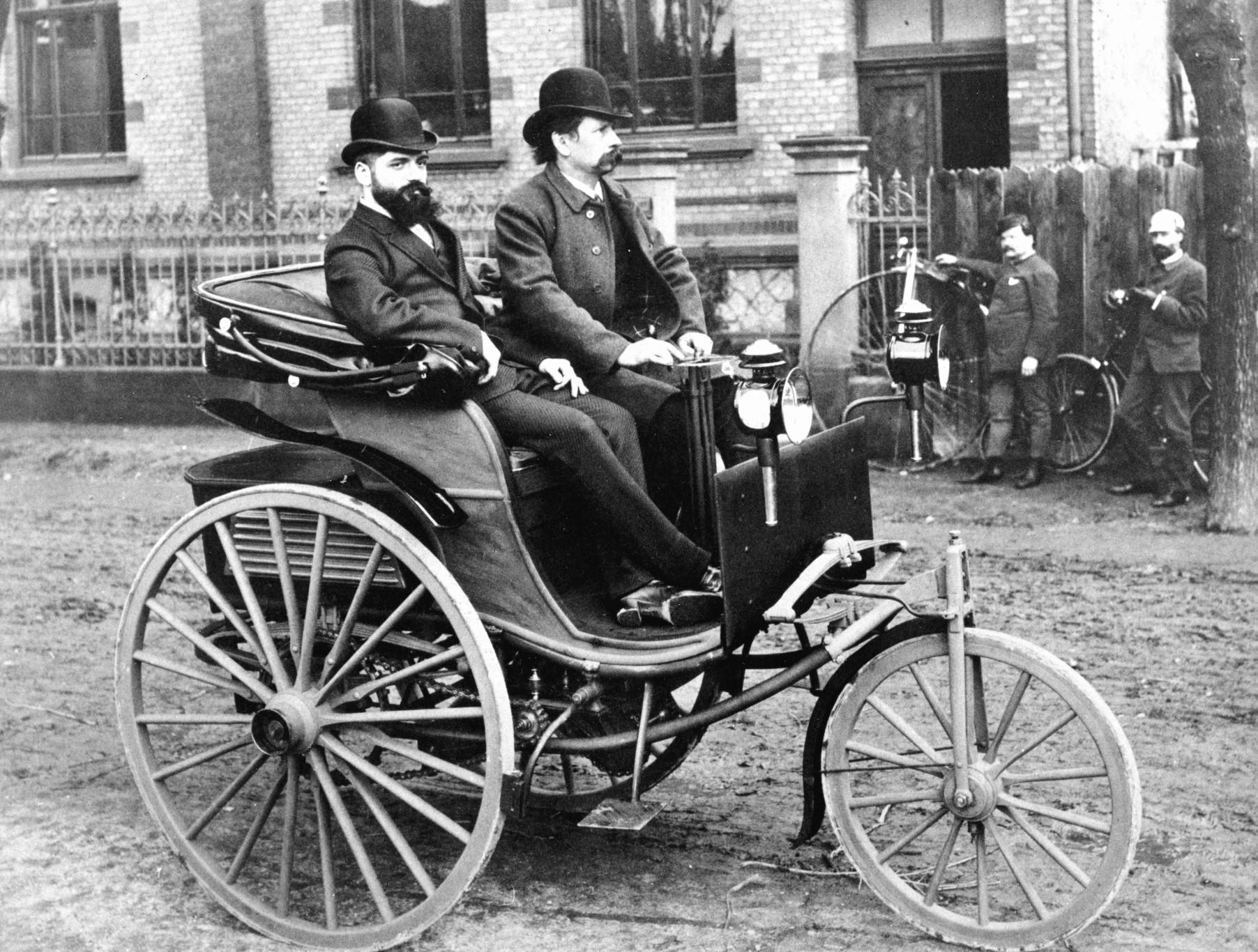 15 masini care au schimbat cursul istoriei auto in cei 130 de ani de existenta a automobilului - 15 masini care au schimbat cursul istoriei auto in cei 130 de ani de existenta a automobilului