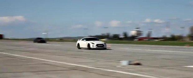 1800 de cp cu doua masini pe pista de la Tulcea: Nissan vs. Corvette