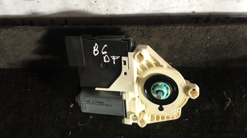 1K0959701K motoras macara geam usa dreapta fata Volkswagen Passat B6