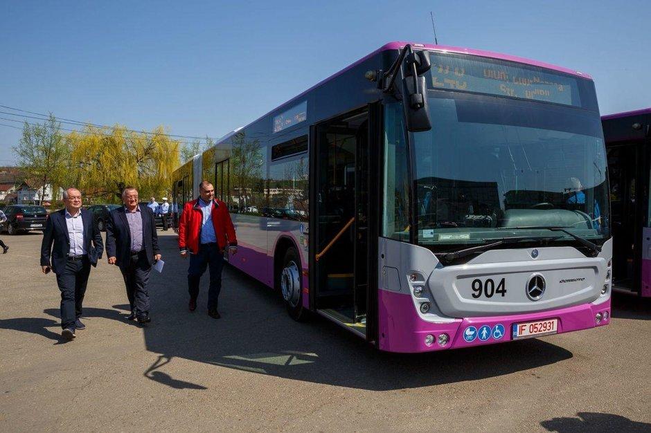 30 de autobuze Mercedes, mai ieftine ca Otokarul de Bucuresti, puse in circulatie la Cluj. Ce diferente sunt