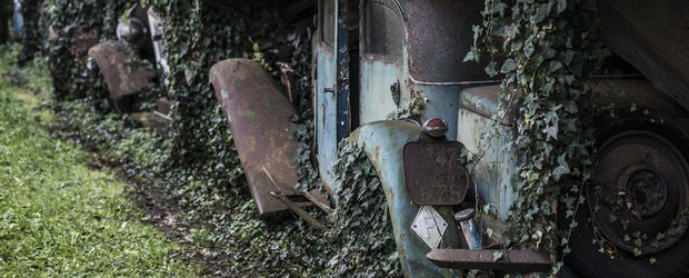 60 de masini clasice descoperite intr-un garaj din Franta