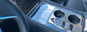 A costat peste 100.000 de dolari in 2012, insa acum se vinde la pret de Volkswagen Golf. POZE REALE