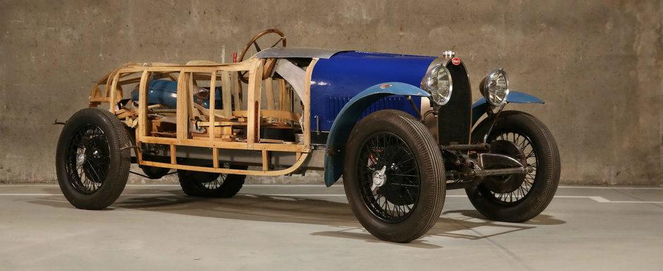A cumparat trei Bugatti-uri in urma cu 6 decenii si le-a inchis intr-o magazie. Acum au fost scoase la lumina