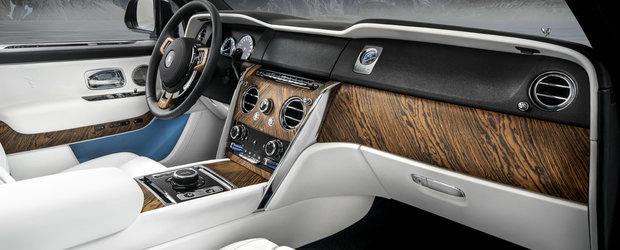 A dat sute de mii de euro pe noul SUV de la Rolls-Royce, dar nu a obtinut efectul dorit. Toti zic ca arata ca un TAXI