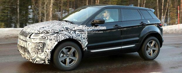A doua generatie Range Rover Evoque surprinsa in premiera in teste