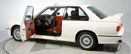 A facut mai putin de 1,5 km pe zi si arata ca nou. Cu cat se vinde astazi acest magnific BMW M3 din anul 1988
