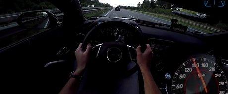 A iesit pe Autobahn ca sa vada cat de tare merge un muscle-car american, insa a fost oprit de fiecare data de soferi care blocau ultima banda