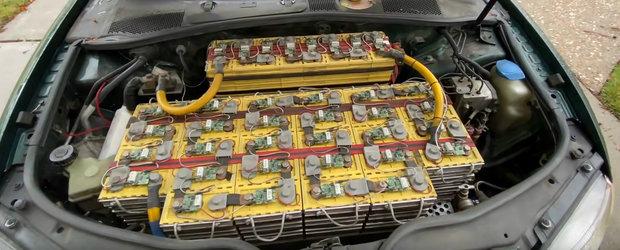 A inlocuit motorul unui PASSAT B5 cu...baterii. In ultimii 10 ani a facut peste 140.000 de km cu masina