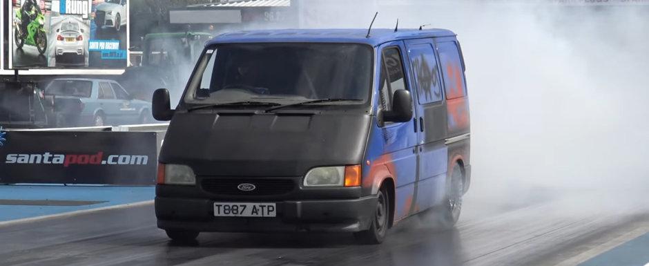 A primit un motor V8 turbo si acum se da la liniute. VIDEO cu cel mai tare Transit de pe net