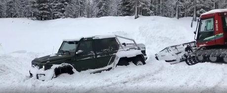 A ramas blocat in zapada cu masina 6x6 pe care a platit jumatate de milion de euro. VIDEO