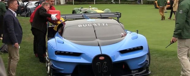 A ramas fara benzina... stand pe loc. Momentul in care un Bugatti e alimentat cu canistra.