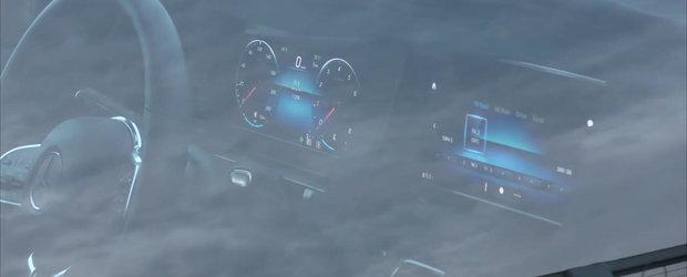 A stat la panda si i-a pozat interiorul. Noul model de la Mercedes se va bate cu Audi Q7 si BMW X5