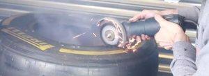 A taiat o anvelopa de Formula 1 ca sa vada ce este in interiorul ei. VIDEO cu cel mai tare experiment de pe internet