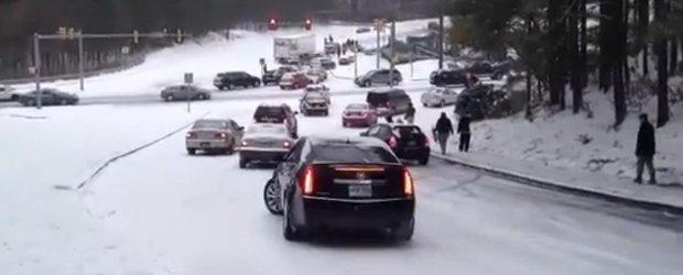 A venit iarna, a venit si carambolul: accidente in lant in SUA