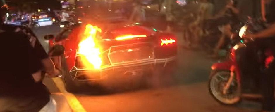 A vrut sa se dea mare cu masina lui, dar nu i-a iesit. AVENTADOR-ul a luat foc din cauza evacuarii